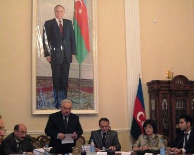 Приветствие участникам конференции от имени Президента Азербайджанской Республики И.Г. Алиева зачитал первый заместитель Управляющего делами Президента О.Г. Шахбазов