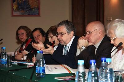 Б.В. Дубин рассказывает о результатах исследования чтения в России в 2008 г.