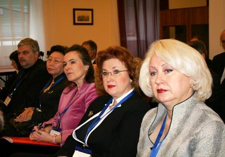 Участники Первого совещания Программы ЮНЕСКО