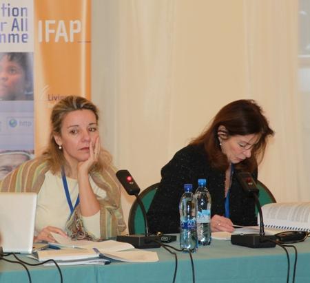 Спикет первой рабочей группы Дивина Фрау-Майгс (слева) и председатель этой рабочей группы Верена Метце-Мангольд