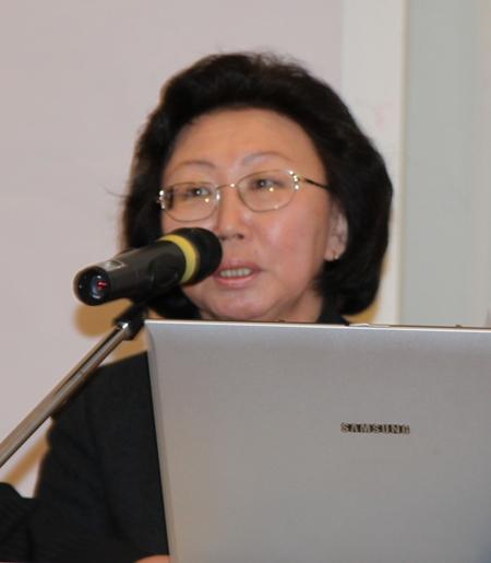Сохранение языкового разнообразия и его развитие в киберпространстве: якутский опыт. Презентация Н.М. Зайковой, первого заместителя Министра культуры и духовного развития Республики Саха (Якутия)