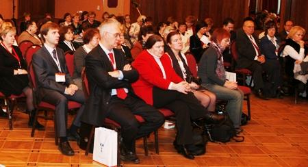 Среди участников конференции - начальник Управления периодической печати, книгоиздания и полиграфии Роспечати Ю.С. Пуля